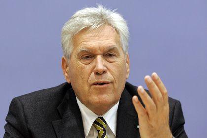 Wirtschaftsminister wider Willen: Glos hat CSU-Chef Seehofer seinen Rücktritt angeboten