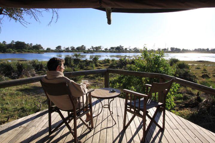 """Wildnis vor der Haustür bietet die beispielsweise die """"Xigera""""-Lodge im Moremi-Wildreservat"""