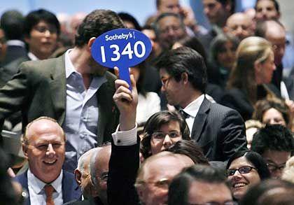 Bieter bei Sotheby's New York: Hier wurde am 3. Mai 2006 ein Picasso für 95 Millionen Dollar verkauft
