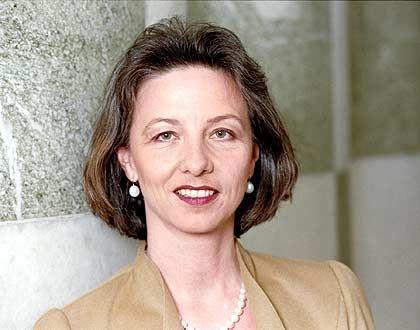 Pamela Knapp: Die 46-Jährige ist seit dem 1. Juli 2004 Vorstand des Siemens-Bereichs Power Transmission and Distribution (PTD) in Erlangen