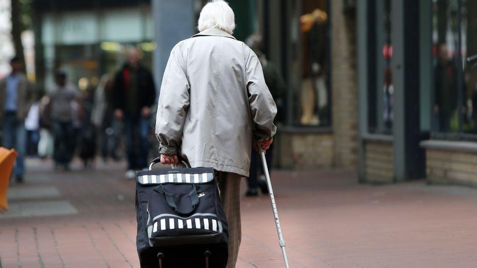 Jeder zweite Rentner bekommt weniger als 900 Euro