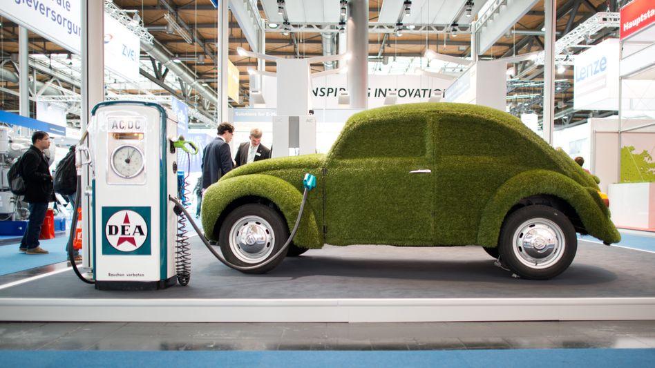 Nicht wirklich grün: Solange der Strommix nicht grüner wird, sind Elektroautos für die gesamte CO2-Bilanz eher kontraproduktiv