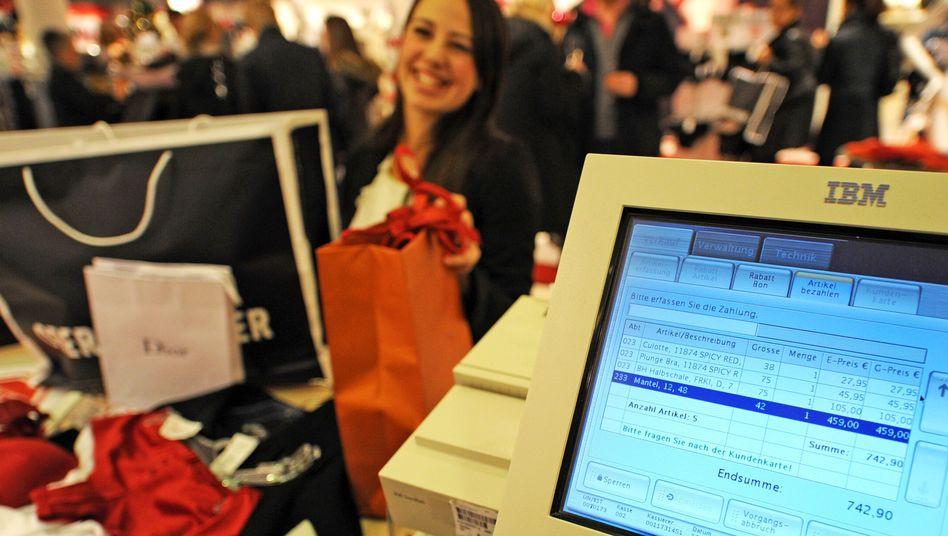 Kaufhaus in München: Die Deutschen legen so wenig Geld auf die hohe Kante wie noch nie