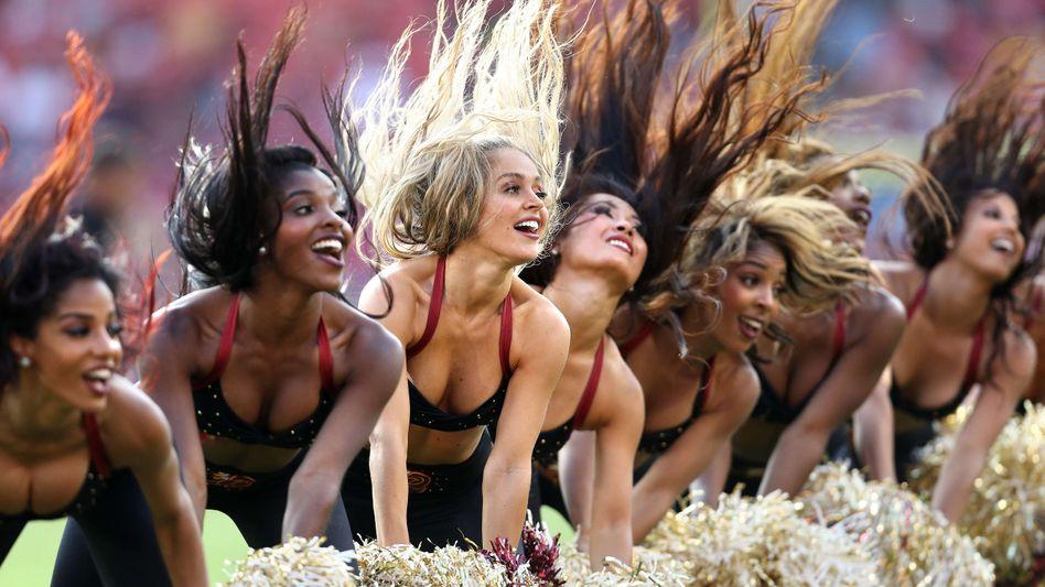 Auch auf dem Sportradar: Cheerleader der Wahington Redskins, hier vor einem Spiel gegen die Cincinnati Bengals