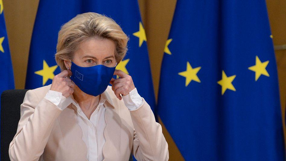 Macht jetzt bei Corona-Impfstoffbestellungen Tempo: EU-Kommissionschefin Ursula von der Leyen (62)