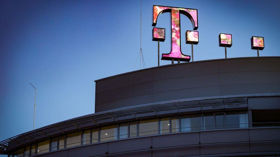 Magentafarbene Prognose: Die Deutsche Telekom hebt ihren Ausblick für 2021 leicht an - vor allem dank der amerikanischen Tochter T-Mobile US