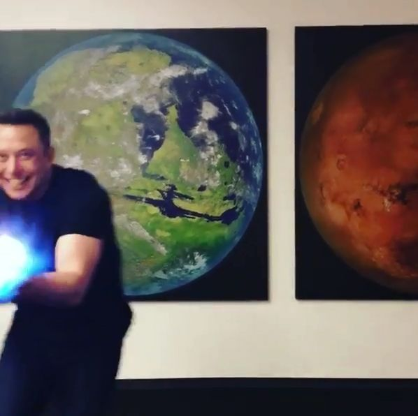 EINMALIGE VERWENDUNG SCREENSHOT instagram / Elon Musk / flamethrower