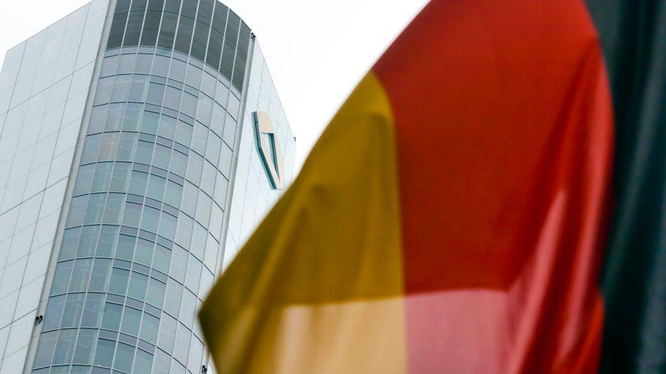 Commerzbank in Frankfurt: Bis Mitte Juni will die Bank 14,3 Milliarden Euro an Staatshilfen zurückzahlen