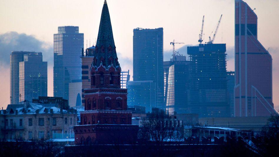 800 Millionen Euro Schadensersatz fordert Leonid Lebedew von RWE. Sein Mischkonzern Sintez mit Sitz in Moskau war durch einen geplatzten Deal einst in Schieflage geraten
