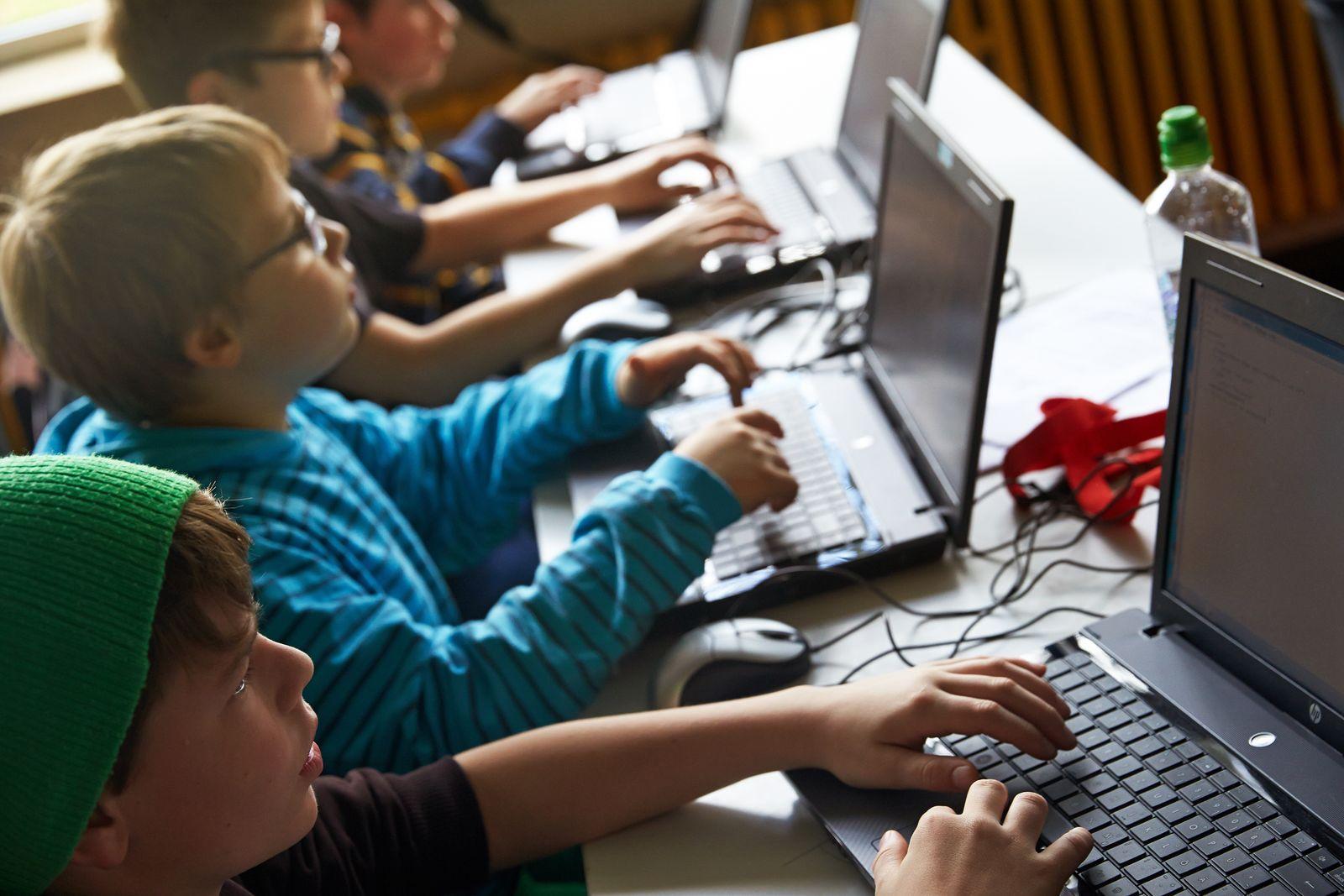 Tablet / Schule / Schüler / Computer