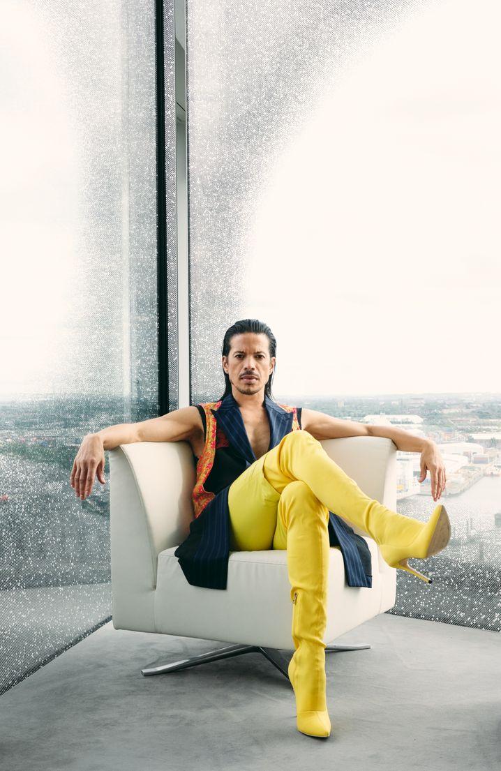 Jorge González, Model und Entertainer