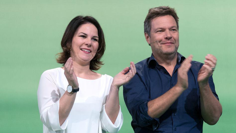 Alles grün: Parteichefs Annalena Baerbock und Robert Habeck sind die Politiker der Stunde.