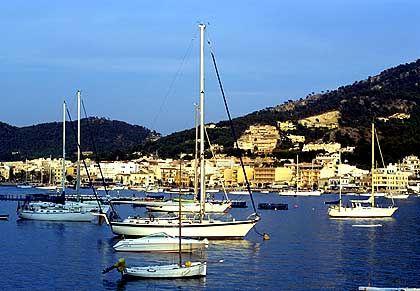 Port d'Andratx im Westen Mallorcas: Prominentenziel und Hochpreisgegend für Ferienhausinteressenten