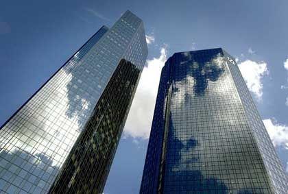 Milliardenerlös: Die Deutsche Bank verkaufte am Donnerstag 35 Millionen Aktien von DaimlerChrysler