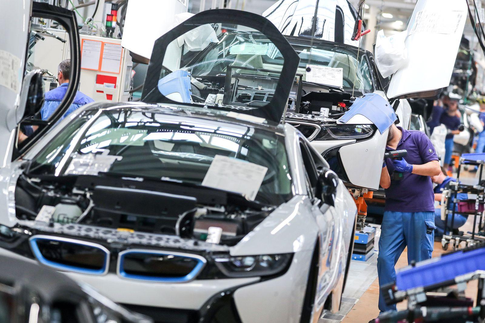 BMW - Produktion Elektrosportwagen i8