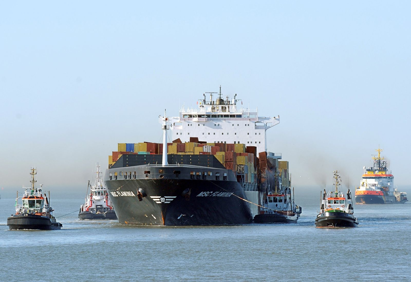Konjunktur / Wirtschaft / Containerschiff (Kopie)