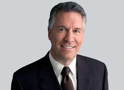 Michael R. Splinter ist seit 2003 Chef von Applied Materials. Der US-Konzern stellt Produktionsanlagen für die Halbleiter- und Solarbranche sowie für Flachbildschirmhersteller her. Im vergangenen Jahr machte Applied Materials einen Umsatz von circa acht Milliarden Dollar.
