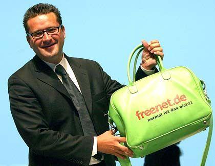 Muss seine Tasche noch nicht packen, verliert aber einen Vertrauten im Aufsichtsrat:Freenet-Chef Spoerr