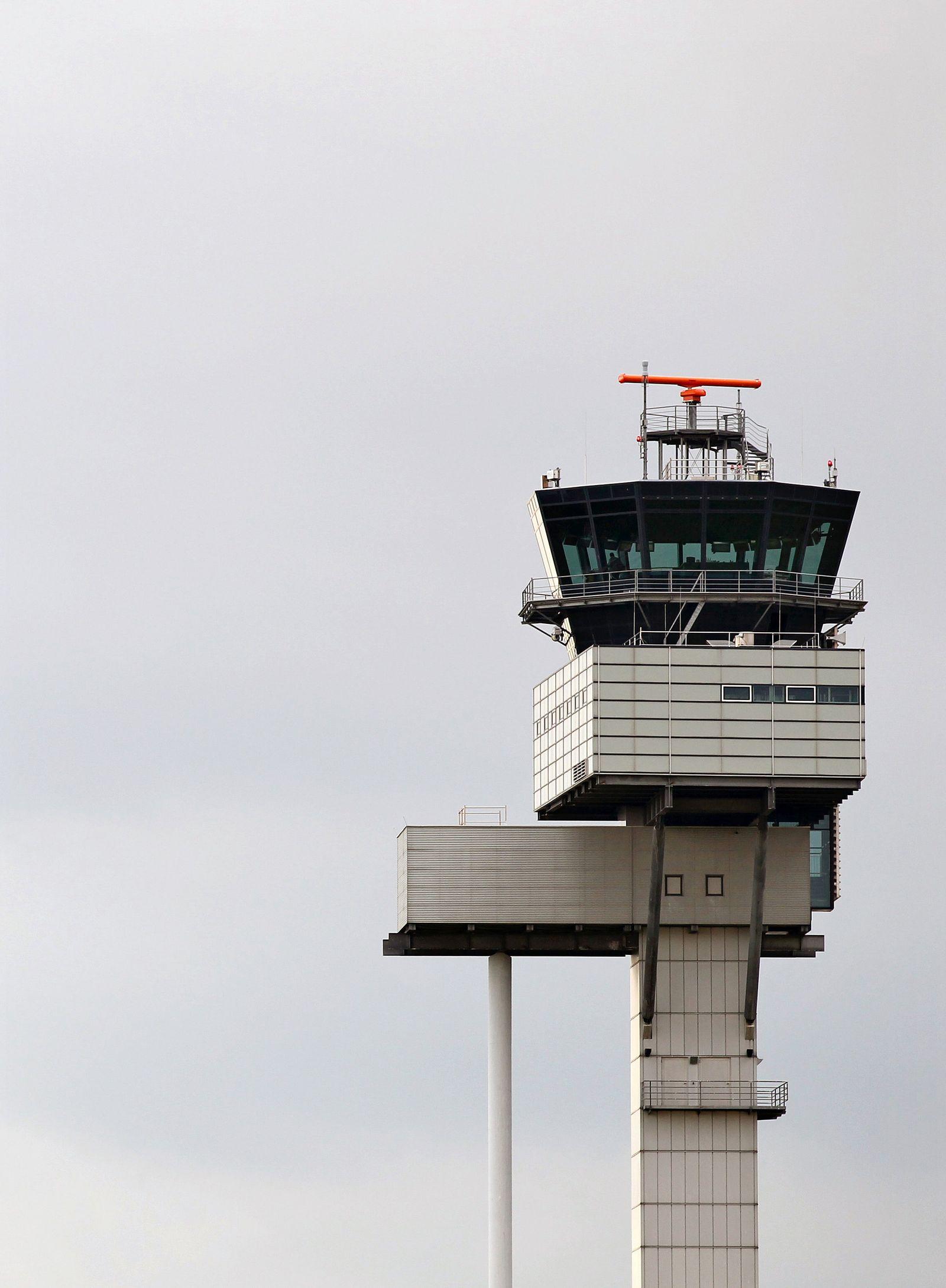 Tower/ Flughafen Leipzig-Halle