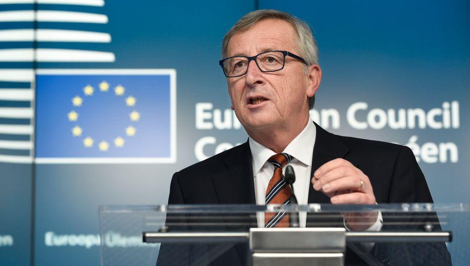 """Jean-Claude Juncker: """"Dies ist nicht die Zeit der Angst. (...) Wir in Europa sollten niemals vergessen, dass das Grundrecht auf Asyl einer der wichtigsten europäischen und internationalen Werte ist"""""""