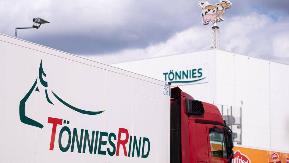 Industrielle Schlachtung bei Tönnies in Rheda-Wiedenbrück (Nordrhein-Westfalen). In dem Werk wird mittlerweile wieder gearbeitet.