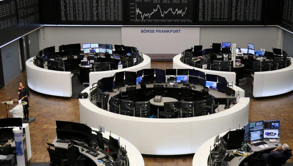 Börse in Frankfurt: Daimlers zuversichtlicher Ausblick hat die Autobranche, nicht aber den ganzen Dax in die Höhe ziehen können
