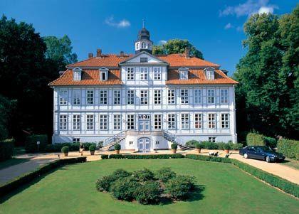"""Stolzer Landsitz: Zu """"Schloss Lüdersburg"""" gehören zwei eindrucksvolle Golfplätze"""
