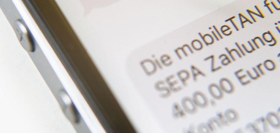 TAN per SMS: Banken dürfen nur für eingesetzte Transaktionsnummern Geld kassieren
