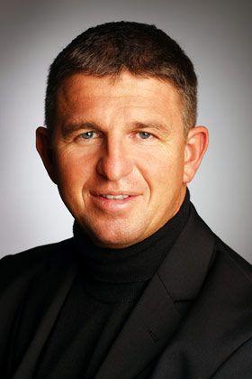 Peter Rölz ist Geschäftsführender Partner der auf Arbeitsrecht spezialisierten Kanzlei Ulrich Weber & Partner in Frankfurt