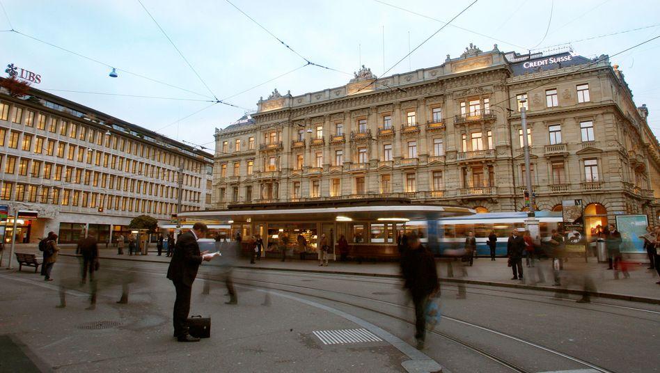 Bankenviertel in Zürich: Die Schweiz will beim Kampf gegen Geldwäsche künftig moderner arbeiten.