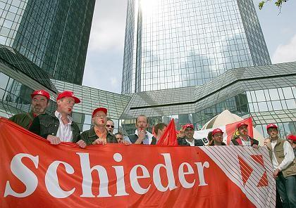 Sanierung gescheitert: Schieder-Mitarbeiter kämpften gegen die Insolvenz des Unternehmens