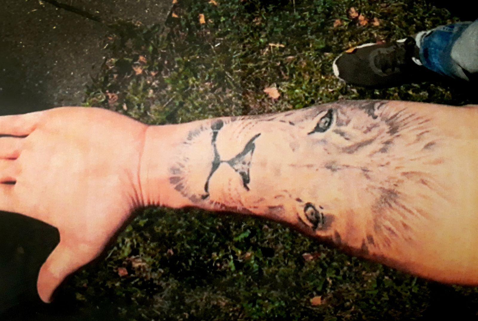 Unterarm-Tattoo von Polizeibewerber