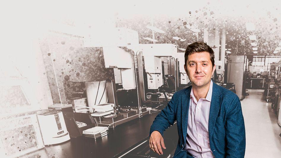 Bioingenieur:Ginkgo-GründerJason Kellyersetzt Menschen durch Maschinen und glaubt, dass er mit seiner Technologie so unterschiedliche Branchen wie die chemische Industrie oder den Lebensmittelsektor neu definieren kann