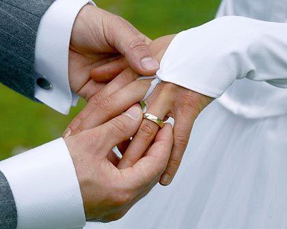 Brautschau: Drum prüfe, wer sich ewig bindet, ob er nicht noch was Besseres findet