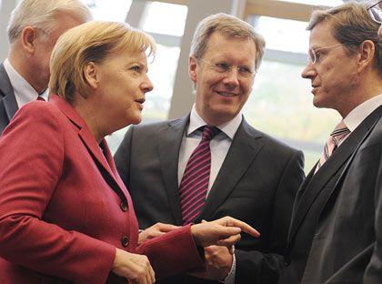 Gehen neue Wege: Kanzlerin Merkel (l.) und FDP-Chef Westerwelle (r.) planen eine Ergänzung der Pflegeversicherung