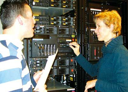 VXA Packet Drives: Dank seiner variablen Geschwindigkeit lässt sich das Banklaufwerk an die Datenübertragungsrate des Servers anpassen