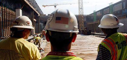 Bauarbeiter in USA: Die Demokraten feiern, die Firmen feuern