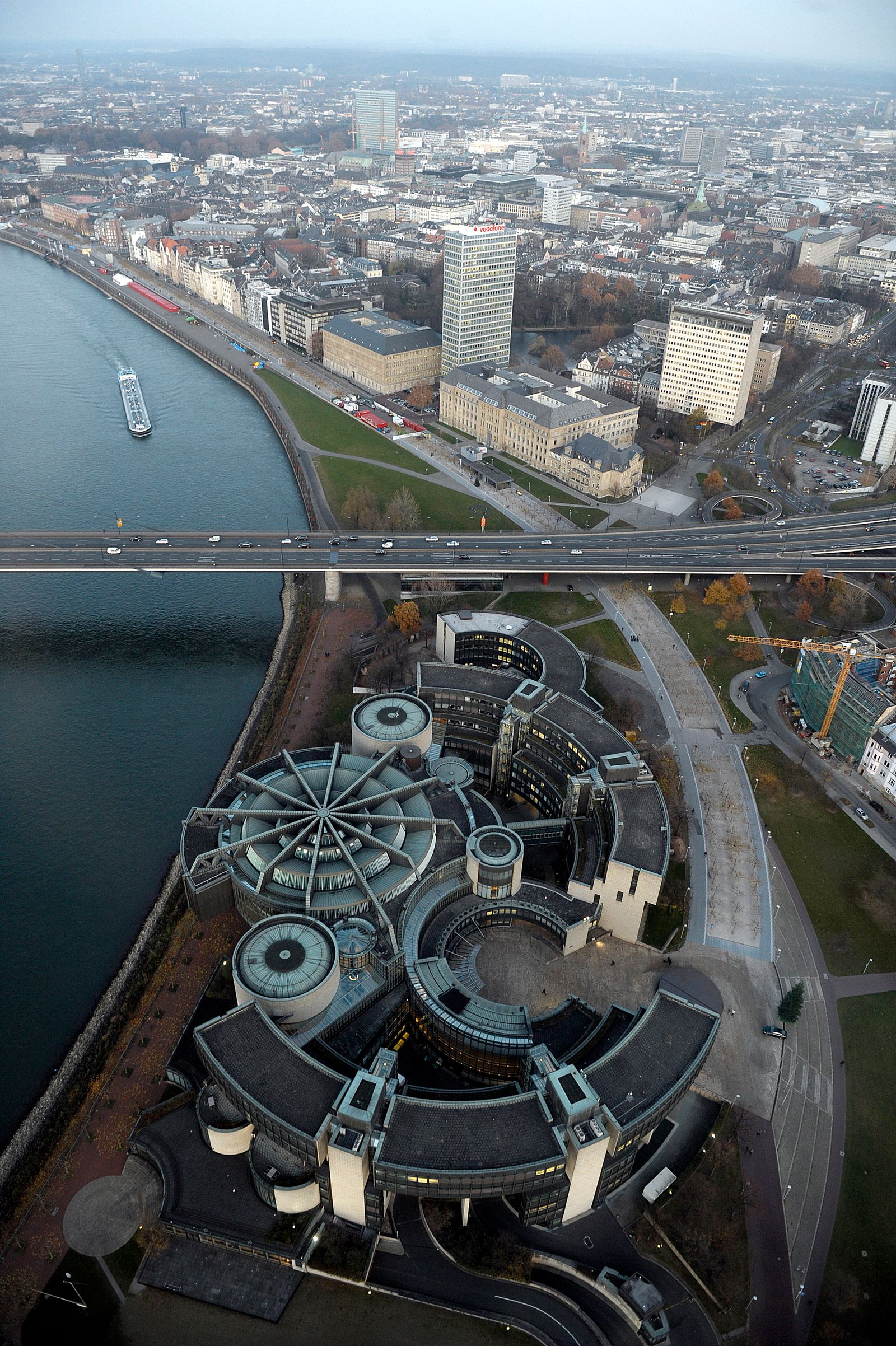 NICHT VERWENDEN Düsseldorf / Skyline / Landtag