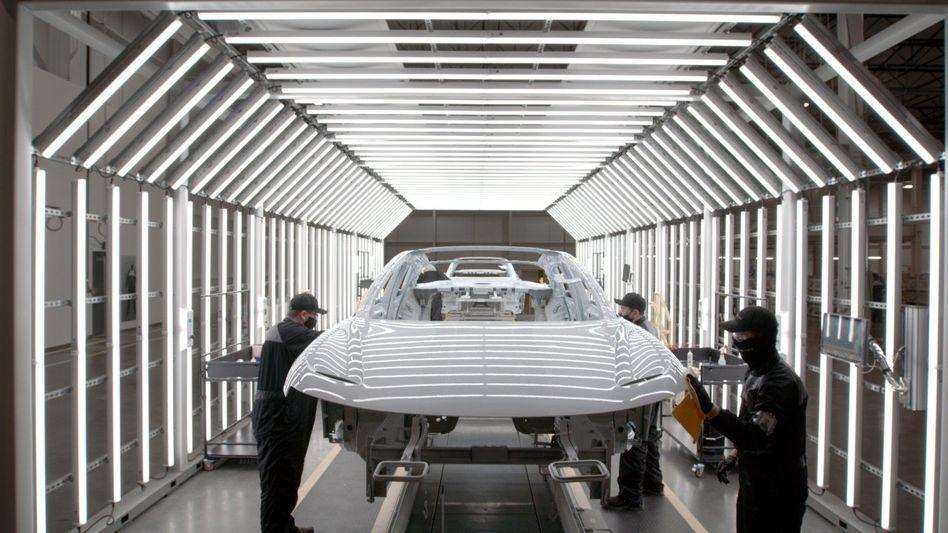 Schwerer Anlauf: In Arizona werden Vorserienmodelle des ersten Lucid-Elektroautos gebaut. Der Börsenwert sank zuletzt auf knapp 30 Milliarden Dollar.