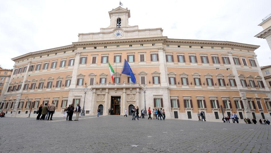 Parlamentsgebäude in Rom: Noch wartet Italien auf eine neue Regierung - mal wieder.