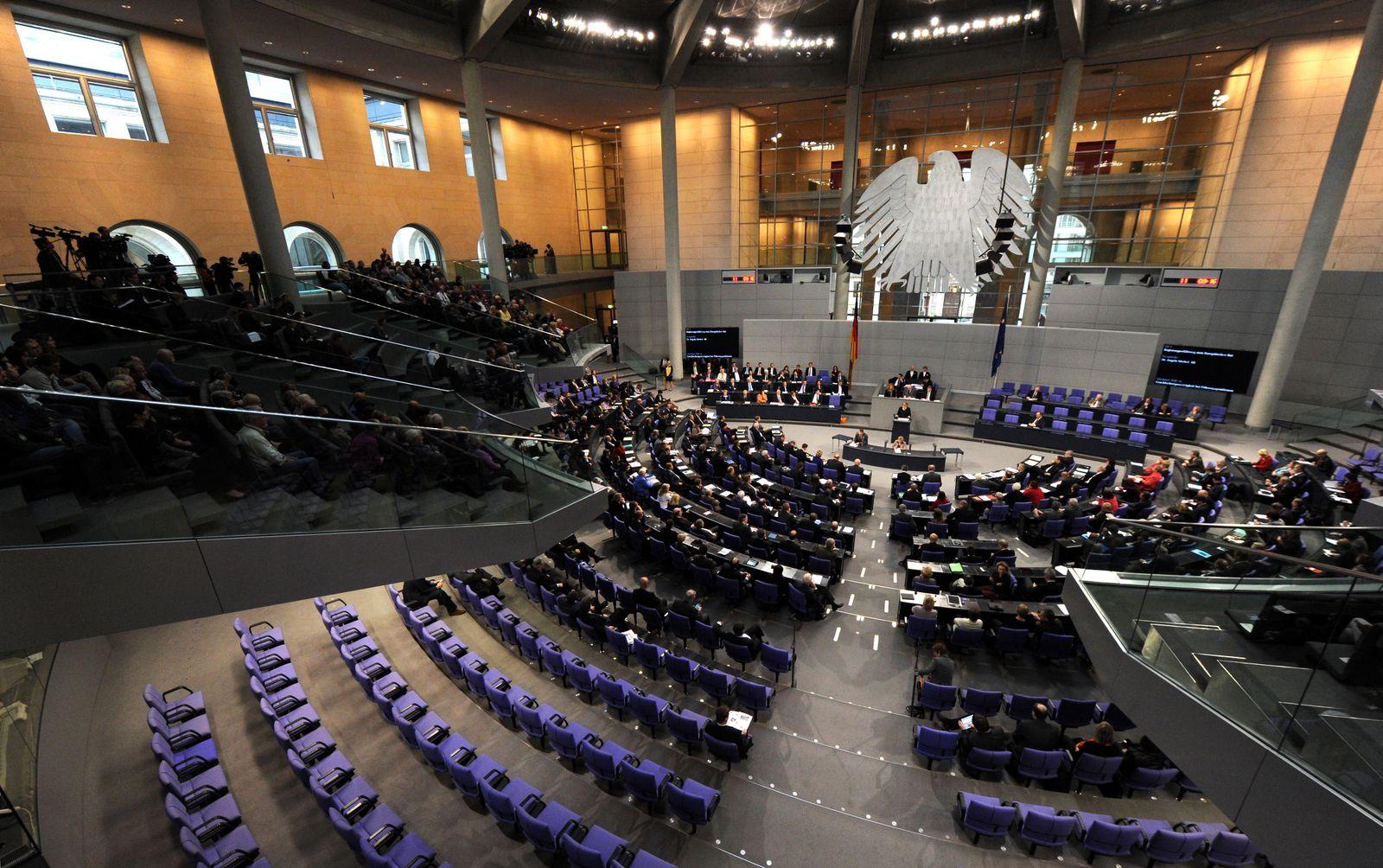 Bundestag / reichstag / Parlamentssitzung / Regierungserklärung