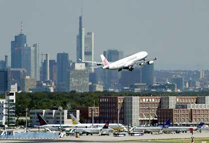 Flughafen Frankfurt/Main: Konjunkturschub gibt Luftfahrtgesellschaften Auftrieb