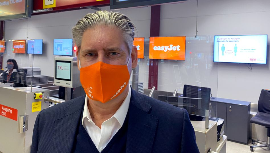 Easyjet-Chef Johan Lundgren (vor dem Erstflug von Berlin-Tegel zum neu eröffneten Flughafen BER am 31. Oktober)