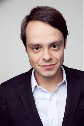 Björn Theis ist Berater bei Z_Punkt. Er beschäftigt sich insbesondere mit den Themen Netzwerkanalyse und Wirtschaftsethnologie.