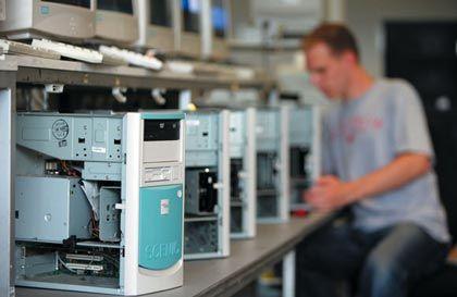 Komplettübernahme: Fujitsu Siemens Computers wird Fujitsu Technology Solutions