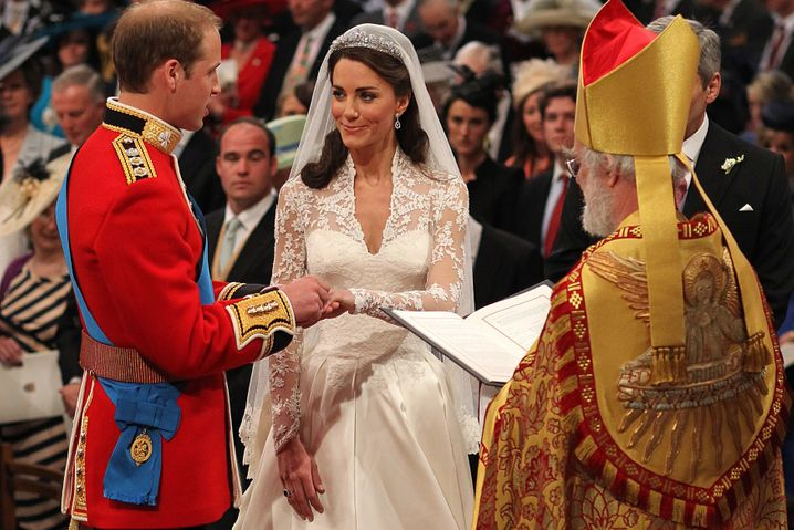William, Thronfolger in spe, und seine Braut Kate Middleton tauschen die Ringe