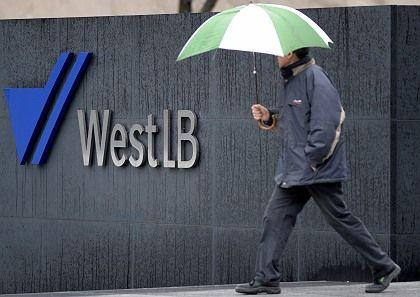 Unter dem Rettungsschirm: Die WestLB hält sich für kreditwürdiger, als S&P glaubt