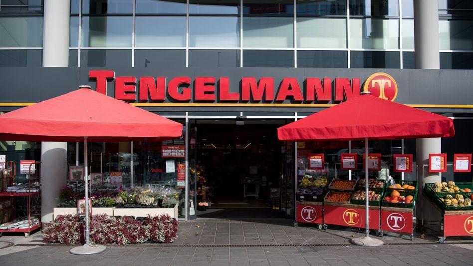 Nach langen Verhandlungen ist nun offenbar eine Lösung über die Zukunft der Supermarktkette Kaiser's Tengelmann gefunden - wenn das Bundeswirtschaftsministerium sein OK gibt