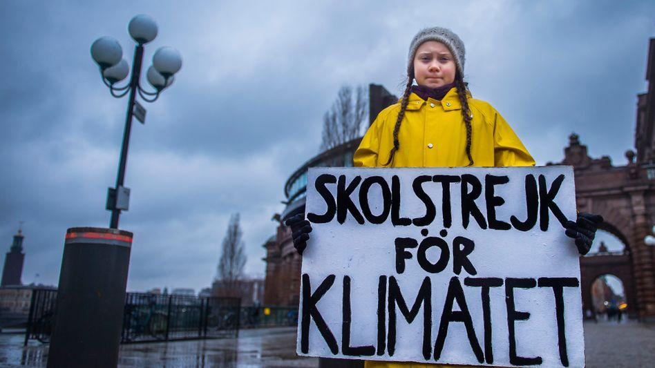 Greta Thunberg: Beim letzten Weltklimagipfel in Polen hielt die 15-jährige schwedische Schülerin ein bewegendes Plädoyer für mehr Klimaschutz. Ihrer Initiative, jeden Freitag für eine besseres Klima zu demonstrieren und die Schule zu schwänzen, folgen mittlerweile Zehntausende Schüler und Schülerinnen in Europa