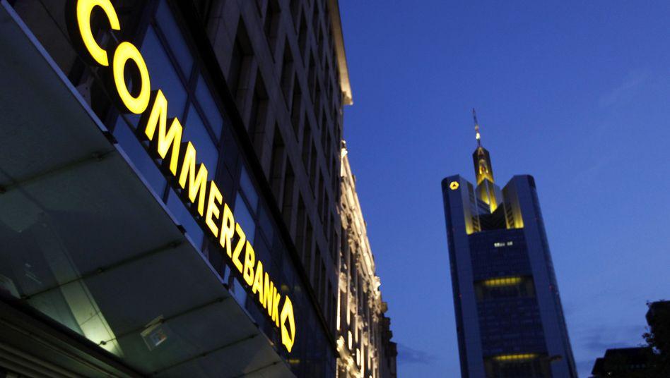 Commerzbank in Frankfurt: Neue Aktien fallen in schwache Hände